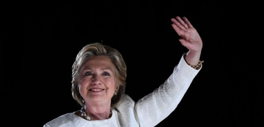 Emailgate, la caccia dell'Fbi ai Clinton diventa scontro istituzionale